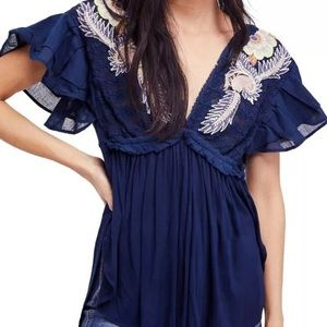 Free people top blue Small embroidered
